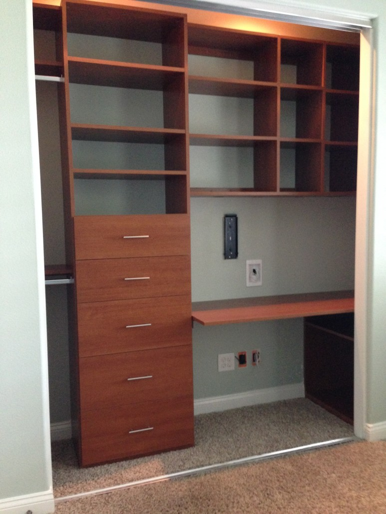 Adjustable Closet Amp Cabinets Reach In Closets